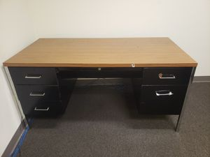 Office desk for Sale in South Gate, CA
