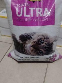 Dr.Elsey Cat Litter for Sale in Commerce,  CA