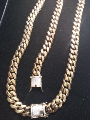 Black Friday Sale!! 14kt Gold Filled Cuban chain and Bracelet set!! All sizes available!! Best Top Quality!! Custom Work Available!! for Sale in St. Louis, MO