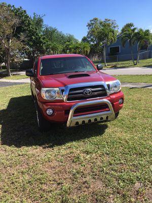 Toyota Tacoma 2009 acc cab 87500 miles for Sale in Miami, FL