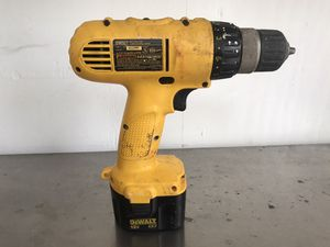 """Dewalt 3/8"""" 12 Volt Cordless Nicad Compact Drill Driver for Sale in San Diego, CA"""