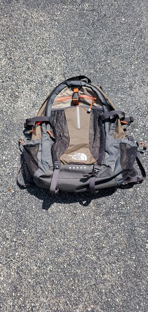 Genuine northface Recon backpack for Sale in Chicago, IL