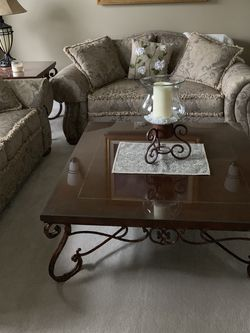 2 Matching Coffee Tables -Ethan Allen for Sale in Bonney Lake,  WA