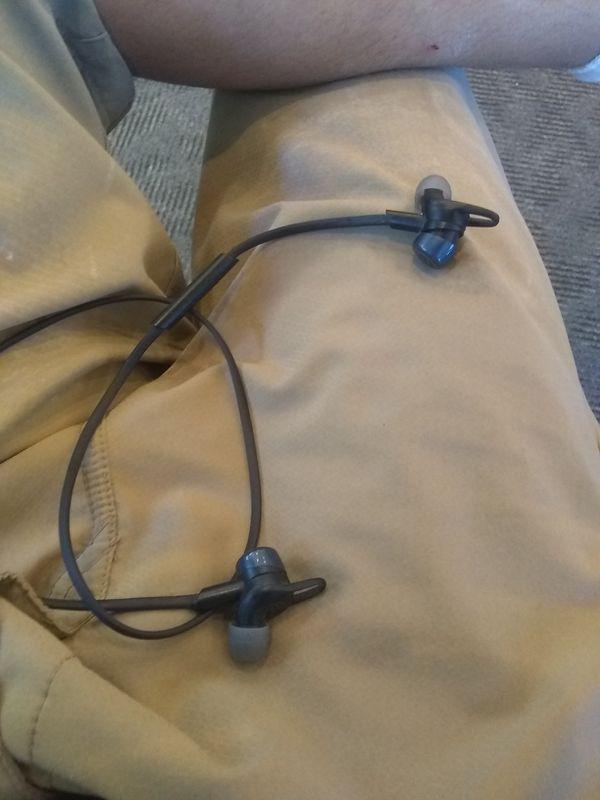 Plt Bluetooth headphones clip in earbuds