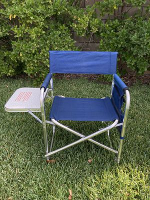 Picnic Time Sports Chair with Table, Look 👀 Pictures for details $50.00 for Sale in Irwindale, CA