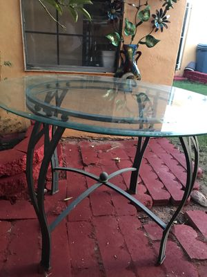 4 Chairs Dining Table for Sale in Laveen Village, AZ