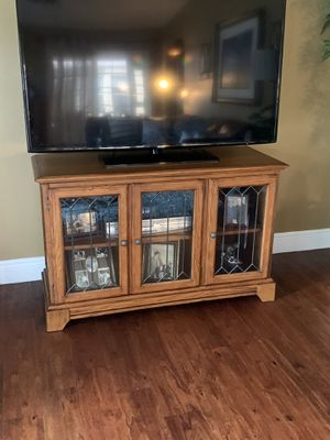 "Solid wood 48"" TV stand/console table for Sale in NEW PRT RCHY, FL"