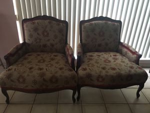 2 vintage chairs for Sale in Miami, FL