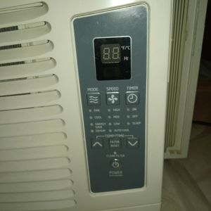 Haier Room Air Conditioner And Dehumidifier Built-in With Remote for Sale in Portland, OR