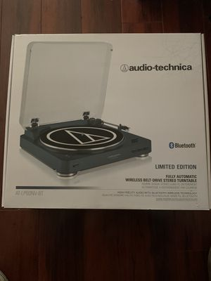 Audio Technica turntable NEW for Sale in St. Petersburg, FL
