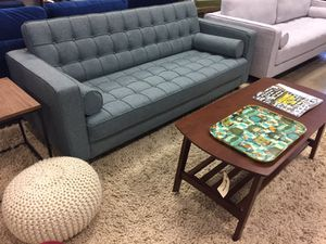 Modern Furniture Tufted Sofa Brand New for Sale in Houston, TX