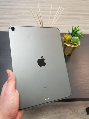 Apple iPad Pro 3rd Generation 64GB WiFi + Cellular for Sale in Renton, WA
