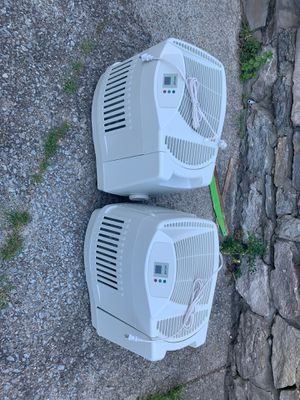 Evaporative humidifiers ser of two for Sale in Nashville, TN