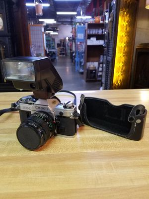 Canon AE-1 with flash and case for Sale in St Louis, MO