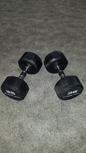 Pair of 35lb Rubber Dumbbells in Excellent condition for Sale in Monterey Park, CA
