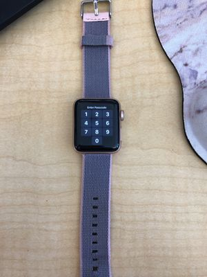 Series 3 w/cellular rose gold 38mm Apple Watch for Sale in Mesa, AZ