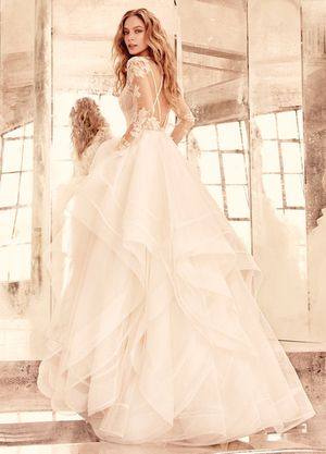 Brand New- Never worn-Hayley Paige Elysia Wedding Dress for Sale in Long Beach, CA