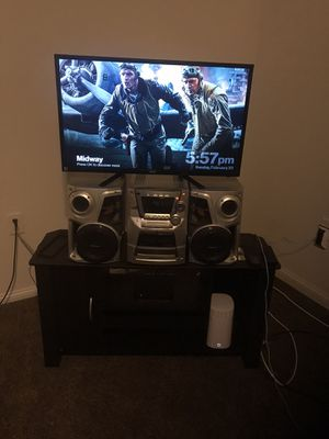 32 inch TV with TV Stand for Sale in MD CITY, MD