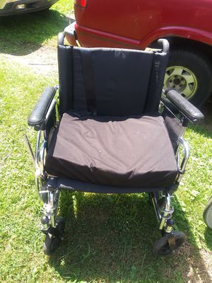Wheel chair for Sale in Barberton, OH