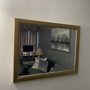 """Gold Mirror 31""""/24"""" for Sale in Stratford, CT"""