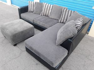 Comfortable sectional couch with ottoman Gray, Ashely for Sale in Glendale, AZ