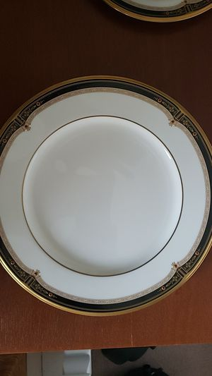 Noratake - Dinner plate - Gold and Sable for Sale in Buford, GA