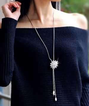 New Rhinestone Snowflake Pendant Chain Necklace for Sale in New York, NY