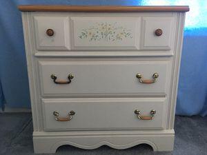 Girl's bedroom furniture- dresser for Sale in NO POTOMAC, MD