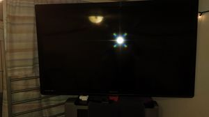 42 in Emerson flat screen i need to sell asap today jam moving out of state Tomorrow and need to sell today interested calk me at for Sale in Great Bend, KS