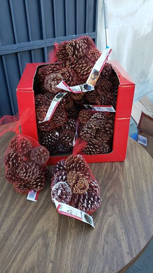 Pine cones for Sale in Pomona, CA