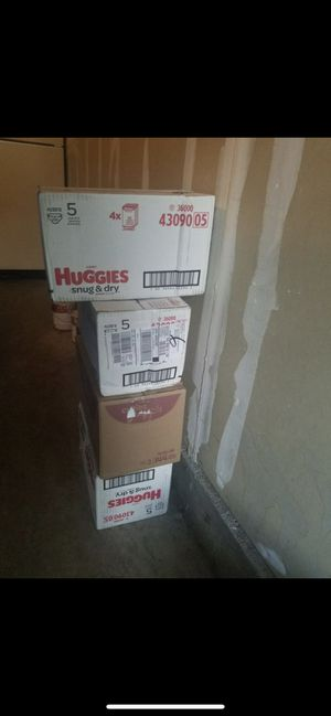 Huggies size 5 for Sale in Denver, CO