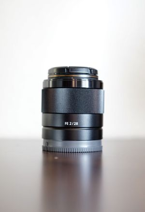 Sony SEL 28mm f/2 FE Lens for Sale in Escondido, CA
