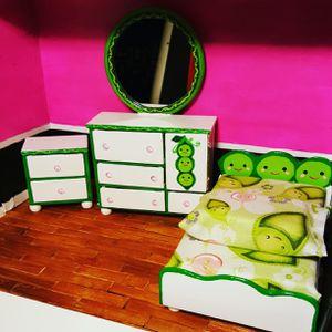 Peas in a pod dollhouse set for Sale in Bosque Farms, NM