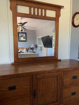 Dresser, mirror, 2 nightstands for Sale in Spring Valley, CA