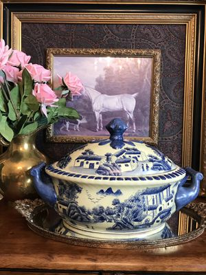 "Vintage chinoiserie tureen. This is a ceramic tureen in excellent condition for its age. It measures 13.75"" wide by 8.5"" tall. Stamped underneath for Sale in Norcross, GA"