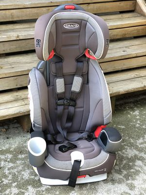 Car seat / Booster seat - ***** FREE ***** for Sale in Everett, WA
