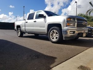 Chevy Silverado 4X4 crew cab 2014 for Sale in Honolulu, HI