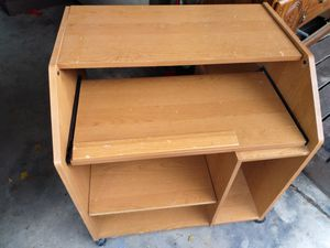 Computer desk for Sale in San Benito, TX