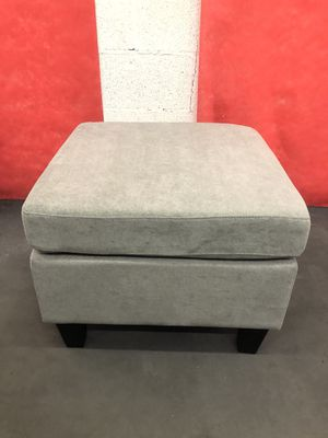 Small ottoman for Sale in Las Vegas, NV