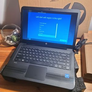 Hp Stream Windows 10 Laptop With Box And Charger for Sale in Elk Grove Village, IL