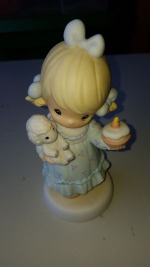 "6"" tall Precious moments happy birthday to Ewe for Sale in Auburn, WA"