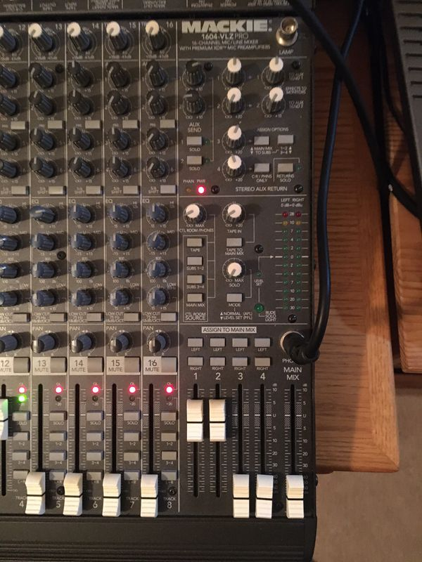 Mackie 16-Channel Analog Mixer - 1604 VLZ Pro
