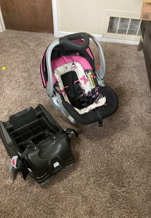 Baby car seat for Sale in Colorado Springs, CO