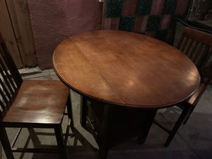 Kitchen table with 3 chairs for Sale in Bell Gardens, CA