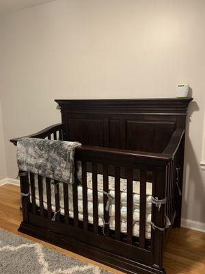 Baby Cache Vienna 4 in 1 convertible Crib in espresso for Sale in Dearborn, MI