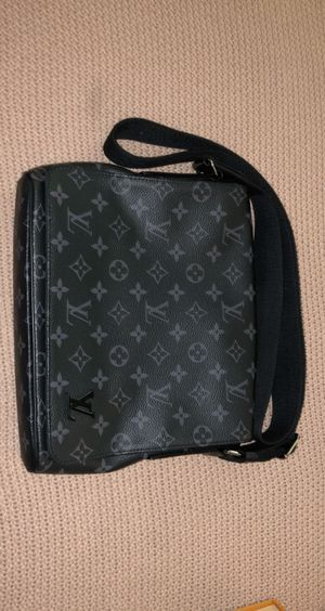 Louis Vuitton district pm messenger bag for Sale in Highland, CA