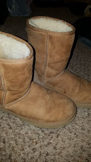 Size 6 uggs $45 for Sale in Las Vegas, NV