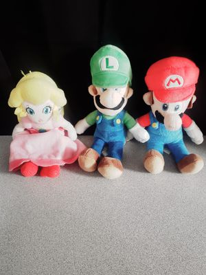 Mario Luigi Peach Plushie for Sale in Las Vegas, NV