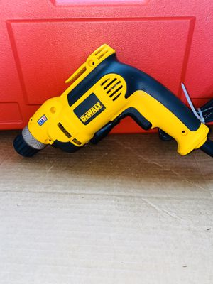 DEWALT 3/8 in. 0 - 2,500 RPM 7.0 Amp VSR Pistol Grip Drill Kit DWD110K New for Sale in Riverbank, CA
