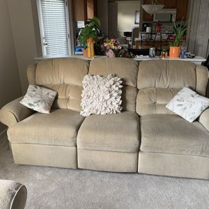 Living Room Set for Sale in Lewis Center, OH